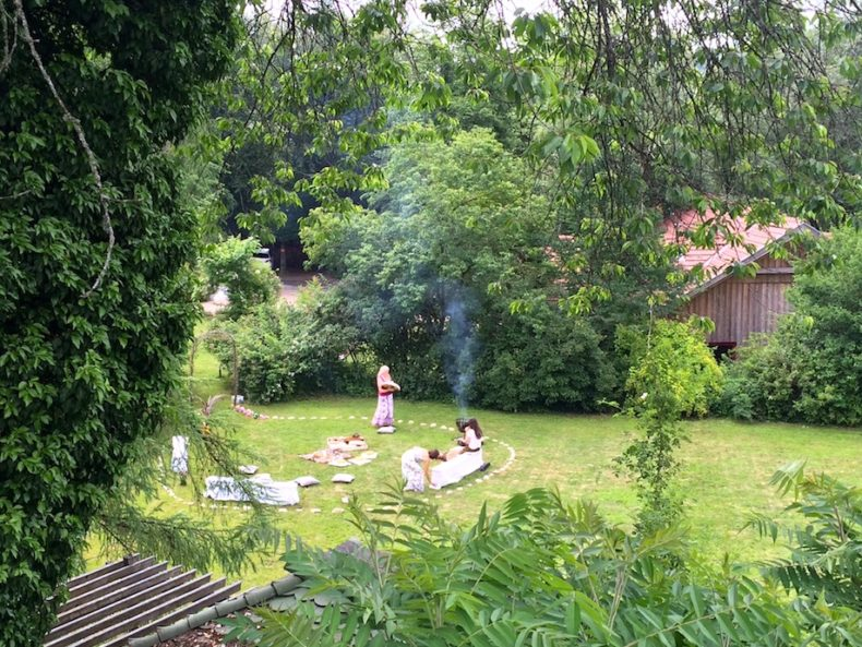 Yoga und Schamen bei Rüdiger Dahlke